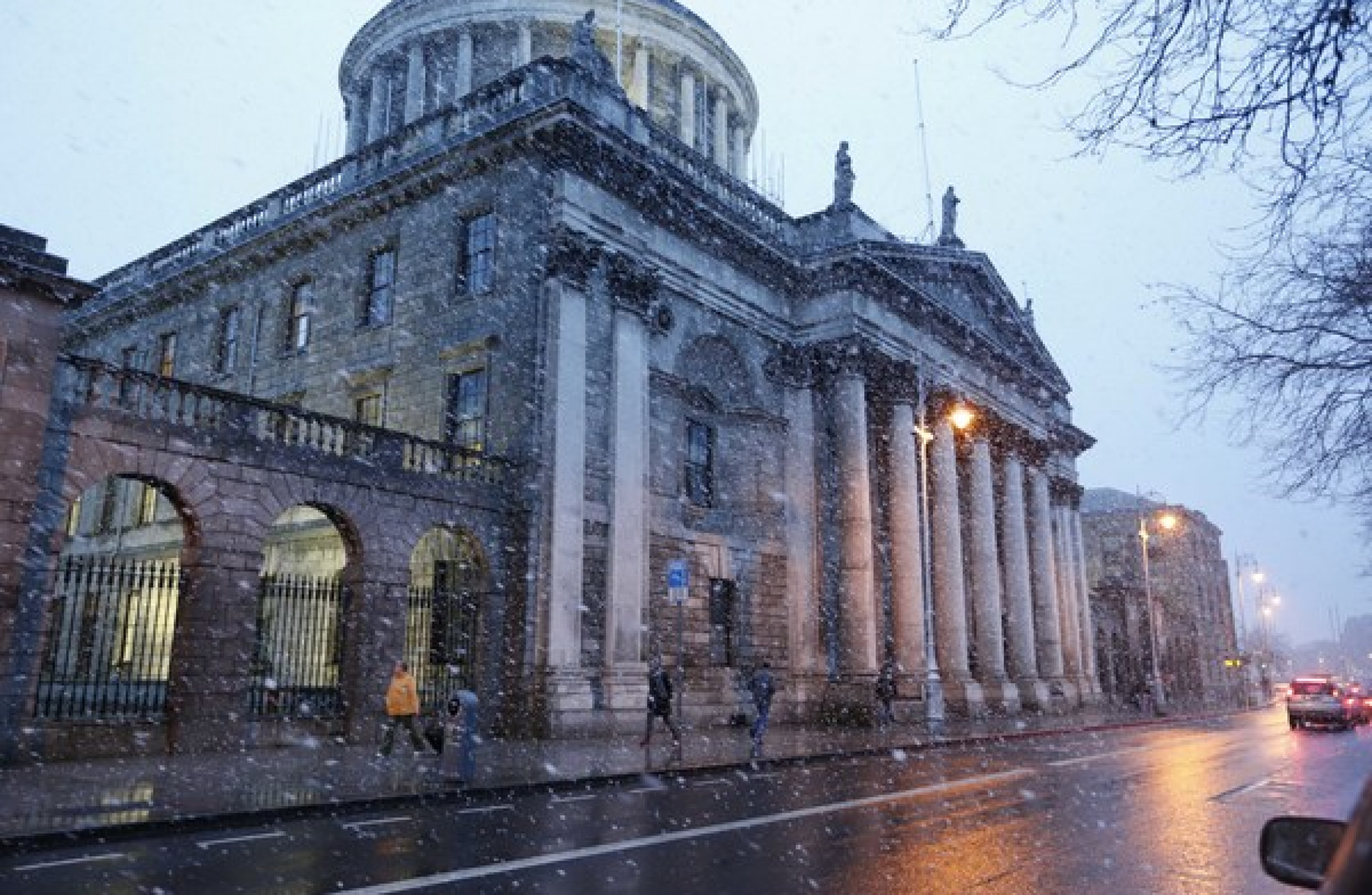 Ireland Supreme Court strikes down ban on asylum seekers working