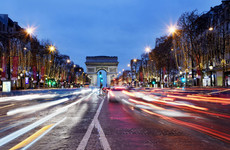 Robber shot by police after holding up bank near the Champs-Elysee