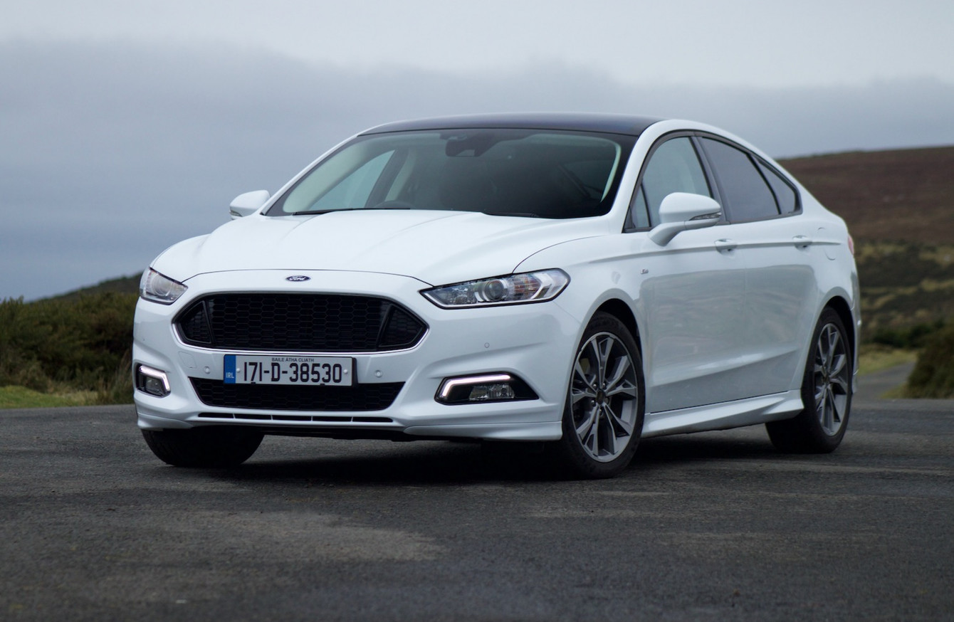 review ford mondeo st line is sporty on the outside but sensible underneath. Black Bedroom Furniture Sets. Home Design Ideas