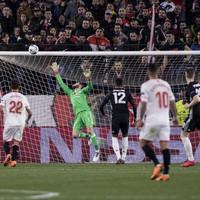 De Gea brilliance helps Man United escape Sevilla with a draw