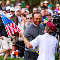 Resurgent Tiger Woods takes first tournament lead in three years at Valspar Championship