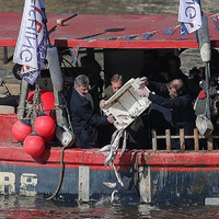 Nigel Farage just threw a load of dead fish into the Thames
