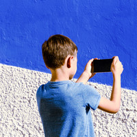 Social media sites should find new ways to verify children's ages - report