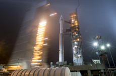 Nasa launches robot to take the temperature of Mars