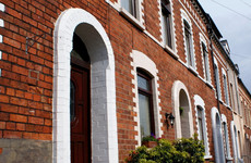 6 ways to approach your first house viewing like a pro, according to a surveyor
