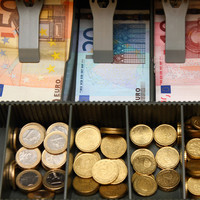 Irish economy is growing substantially but Brexit 'poses major threat'