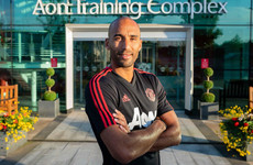 Man United announce the signing of 35-year-old goalkeeper Lee Grant from Stoke