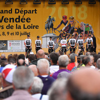 Chris Froome booed and whistled at Team Sky's Tour de France presentation
