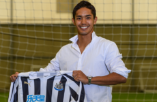 Newcastle United complete signing of Japanese striker Muto from Mainz