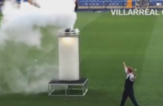 Santi Cazorla unveiled at Villarreal by a smoke-filled magic trick