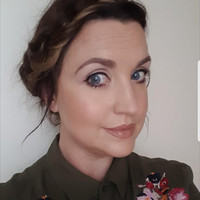 What's in my makeup bag? Joanne Coughlan (Lipstick 'n' Leopard Print)