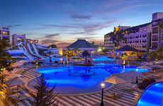 Thomas Cook removes Egypt hotel guests after UK couple dies