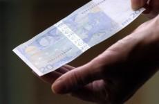 Spanish debt sales cause Euro to weaken