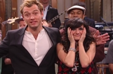 Ashlee Simpson just got very honest about that infamous (and mortifying) SNL performance