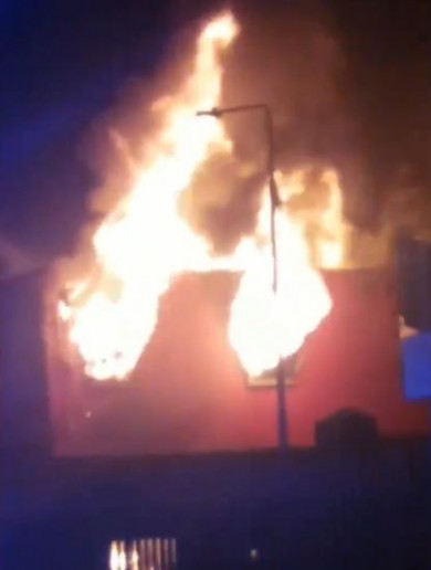 Tyres and rickshaws set ablaze at building close to Four Courts