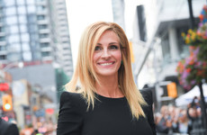Julia Roberts ate the head off an Insta-user who slagged her nail polish... it's The Dredge