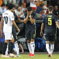 Ronaldo shown straight red card but 10-man Juventus ease past Valencia