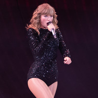 Taylor Swift breaks political silence to endorse Democrats
