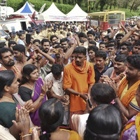 Hindu hardliners order 12-hour strike as they step up campaign to block women from Indian temple