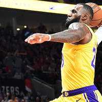 LeBron makes spectacular start on Lakers debut, but LA fall to Trail Blazers