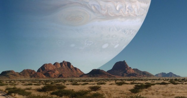 PIC: If Jupiter were as close to Earth as the moon is…