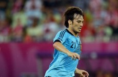 Silva shuns Madrid to stay on with City