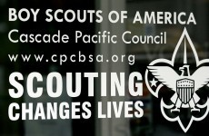 US Boy Scouts maintain ban on gay members and leaders