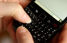Texting more popular than phone chatting in UK