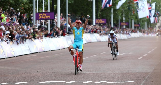 Cavendish left stranded as Vinokourov takes road race gold