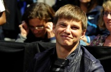 Seriously? Wenger says he's happy with Arshavin's commitment
