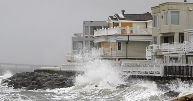 'Don't be stupid. Get out.' - Mass shut down as Sandy approaches US