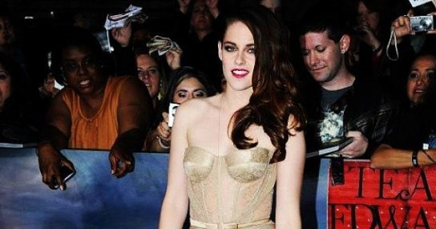 The Dredge: Kristen Stewart flashes her knickers at Breaking Dawn premiere