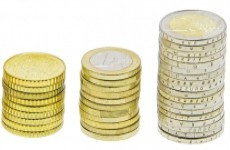 Four in ten employers to increase pay in 2013