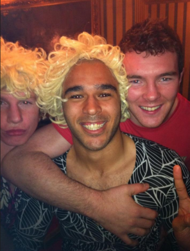 Here's your 'Simon Zebo groped by Peter O'Mahony' pic of the day