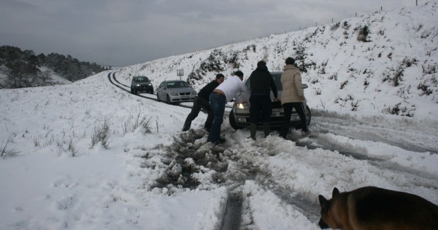 Stranded motorists rescued from snow hit Wicklow mountains