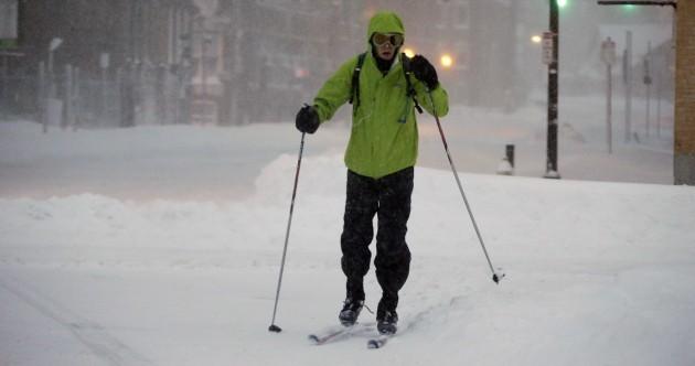 Blizzard kills two, grinds US northeast to halt