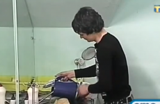 VIDEO: This man does not know how to fill a kettle