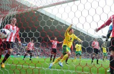 Ten-men Norwich hold Sunderland at Stadium of Light
