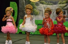 child beauty pageants Are child pageants promoting the hyper-sexualisation of children and encouraging eating disorders jodie packwood looks into what's lying behind the make up.
