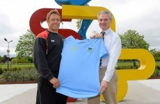 Jonny Wilkinson gets his hands on a UCD jersey