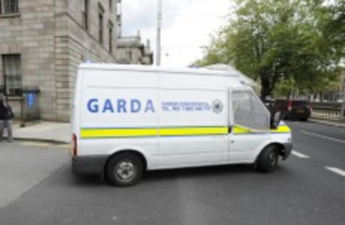 Prisoner Transport Van >> A garda van burst into flames on a busy motorway · TheJournal.ie