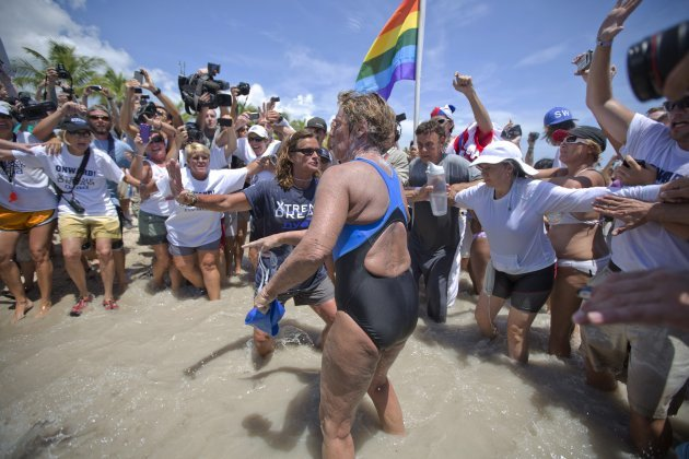 64 Year Old Becomes First Person To Swim Cuba Florida Without A