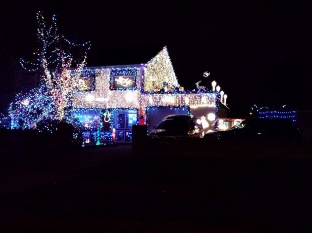 Can your christmas lights compete with these brilliantly for Home decorations ireland