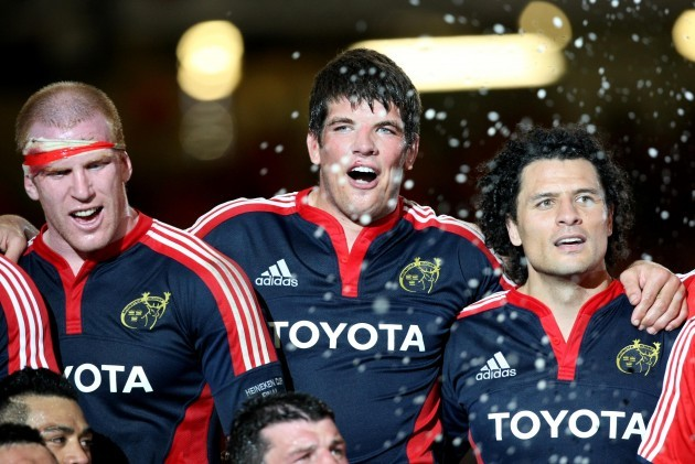 Paul O'Connell, Donncha O'Callaghan and Doug Howlett celebrate 24/5/2008