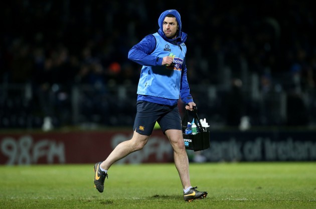 Rob Kearney acts as waterboy