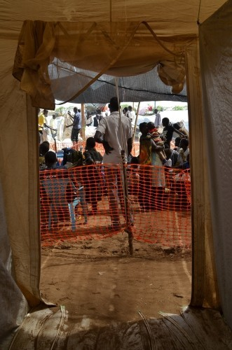 Entrance to MSF clinic at Tomping camp. South Sudan 2014 © Aurelie Baumel MSF