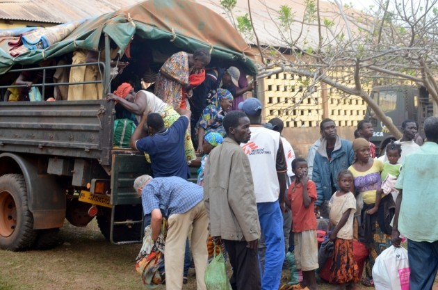People preparing to leave Central African Republic © Remi Djian MSF
