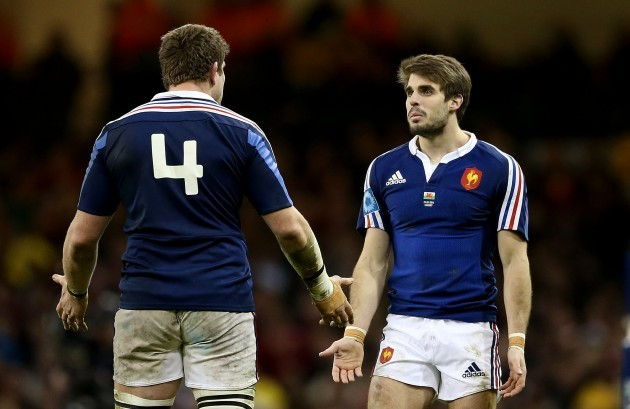 Pascal Pape and Hugo Bonneval dejected after a pass into touch