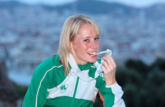 Derval O'Rourke poses with her medal overlooking Barcelona