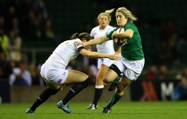 Emily Scarratt tackles Alison Miller